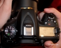 Nikon D7100 - Rotita de selectie a modurilor de fotografiere si ecranul LCD secundar