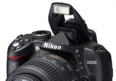 Nikon D3000, cu obiectiv 18-55 VR