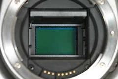Senzorul CCD al unui aparat DSLR