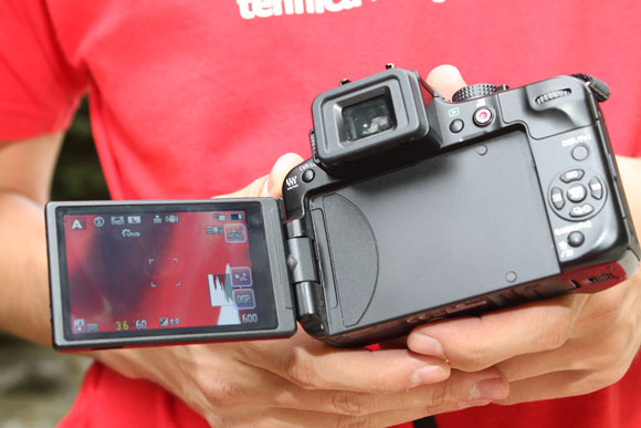 "Panasonic G3 - Ecranul rabatabil tip ""Touch Screen"""
