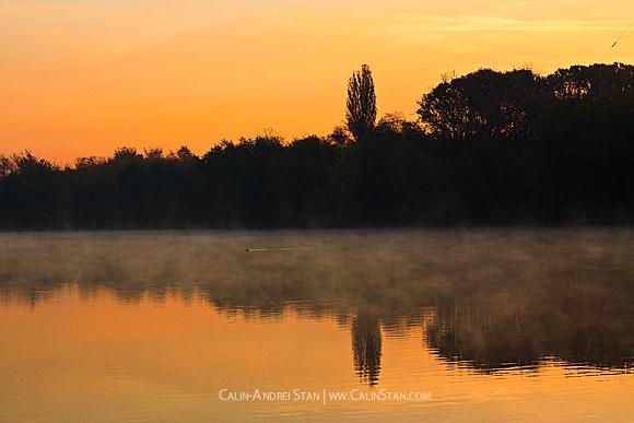 Dimineata, la ora 7 pe lac.