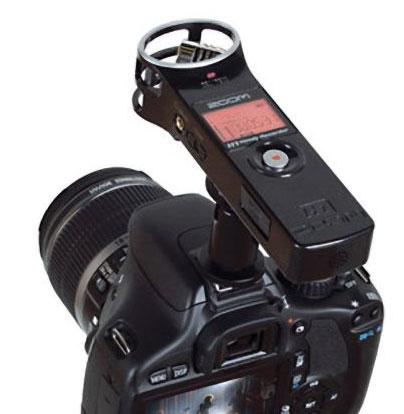 Zoom H1 montat pe un DSLR