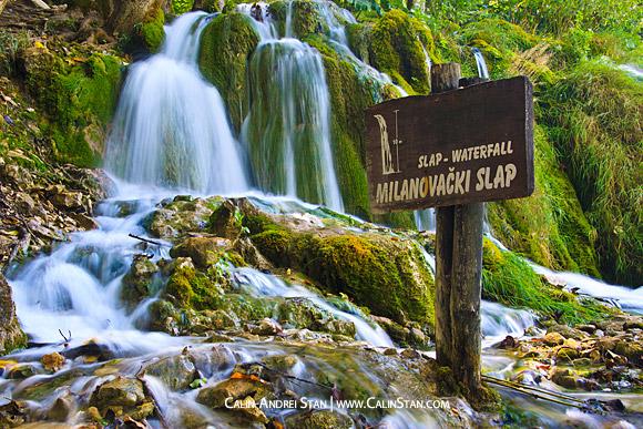 Expunere lunga cu una din cascadele din Parcul Plitvice, Croatia