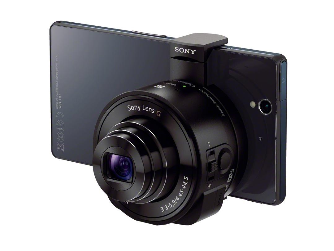 Sony QX10 montat pe telefonul Sony XPeria Z