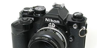 Nikon FM - foto: camerapedia.com
