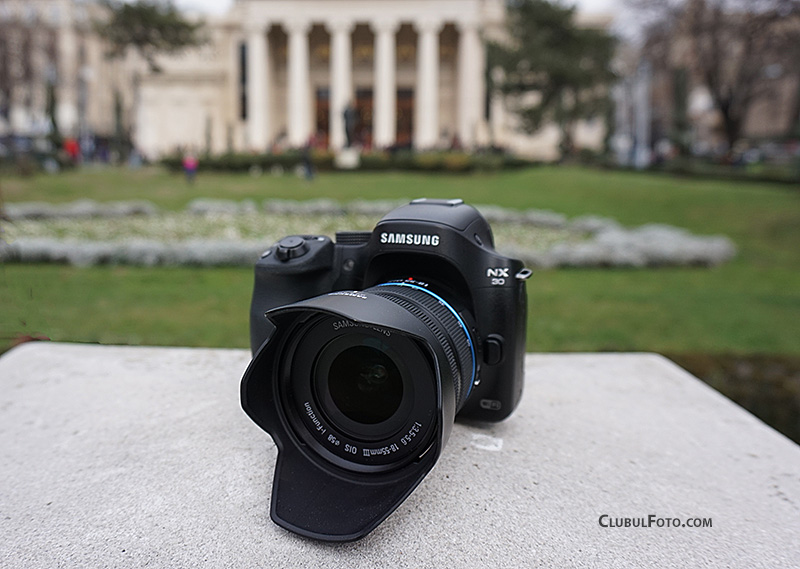 Samsung NX30 in test