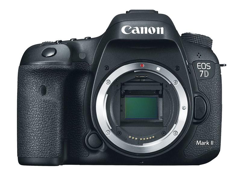 Canon 7D Mark II cu 20 de megapixeli