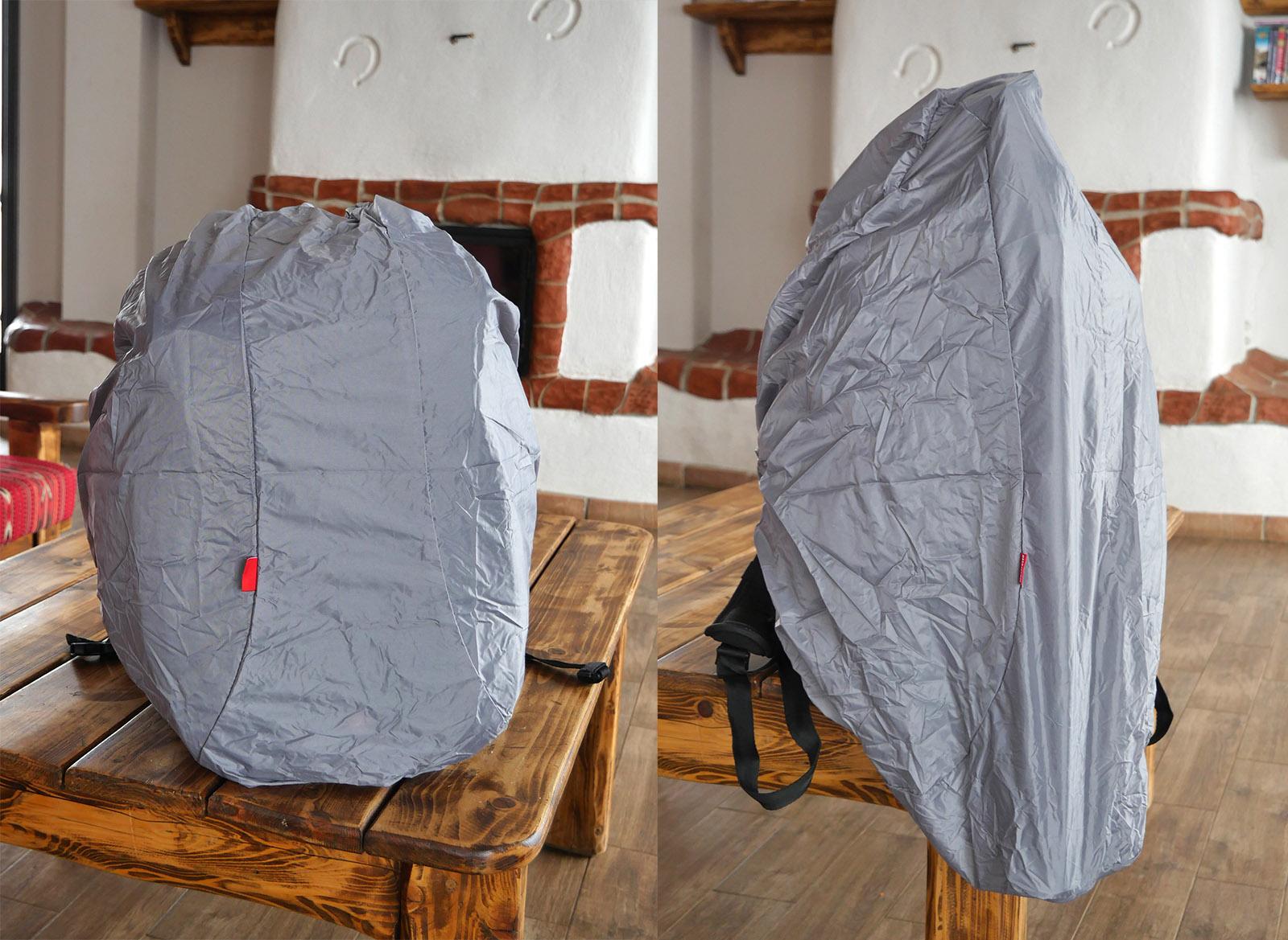 Husa de ploaie a rucsacului poate proteja si trepiedul